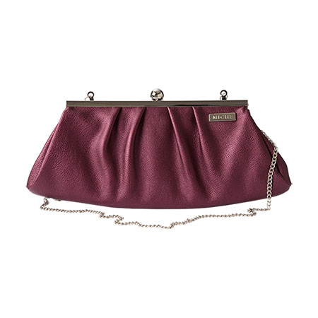 BERRY CLUTCH